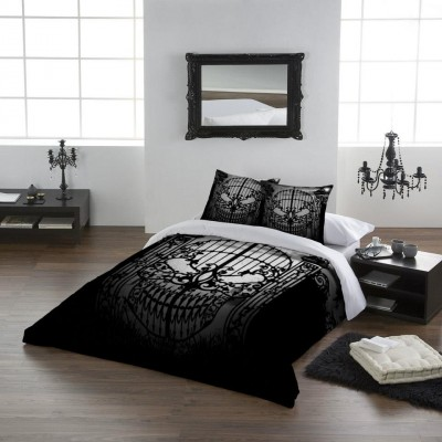 du linge de lit gothique m me pour les grands blood is the new black. Black Bedroom Furniture Sets. Home Design Ideas